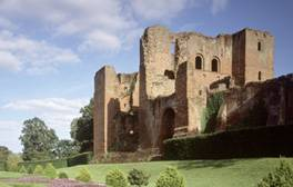 Kenilworth Castle and Elizabethan Garden, Warwickshire (c)English Heritage (5) 264x168