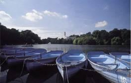 Revel in Nottingham's romantic park life