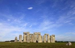 See the Historic Majesty of Stonehenge